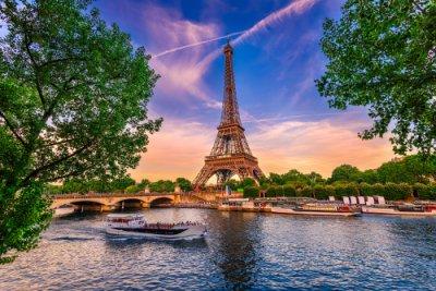 AVE Paris Torre Eiffel