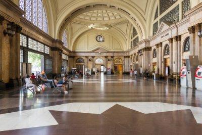 AVE Barcelona Estació França vestíbulo